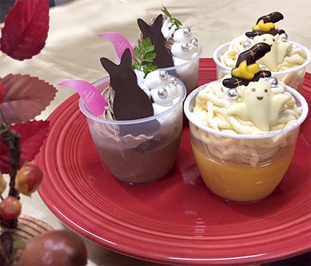「お月見 濃厚ショコラ」¥334(税込)、「ハロウィン かぼちゃのプリン」¥334(税込)