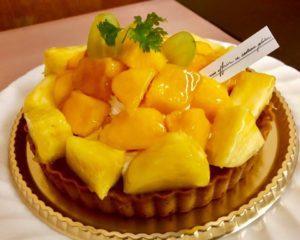 アップルマンゴーとパイナップルのタルトケーキ